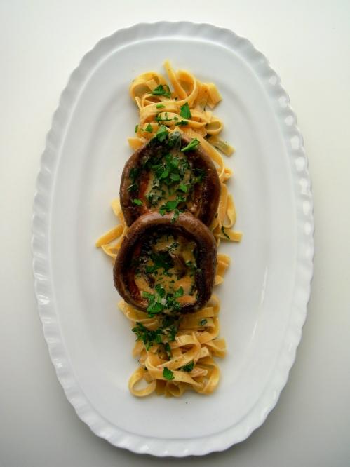 cooked mushroom on pasta 2 -DSCF3383